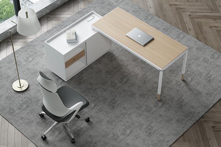 主管办公桌椅.jpg